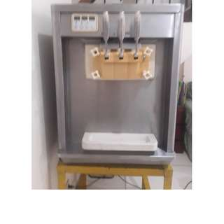 Ice Cream Machine (soft served) - 3 nozzles