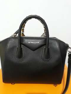 FAST SALE@ Givenchy grained black shw