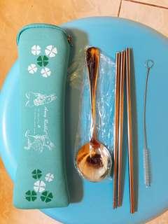 🚚 全新Anny Rabbit安妮兔環保餐具4件組附收納袋(不鏽鋼湯匙+筷子+吸管+吸管刷)