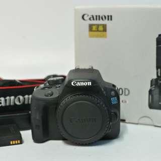 Canon 100D DSLR