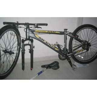 Merida Rockshox fork mountain bike . 27 speed