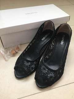 Mondo Black Lace Heels