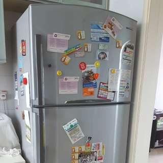 Toshiba fridge 590L FREE