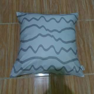 Sarung Bantal Kursi (Cushion) Wavy