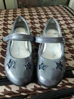 Girl shoe 7F uk