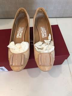 Ferragamo Shoes 4cm size 8M beige leather wedge