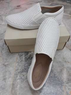 NEW Authentic Clarks White Leather Shoes