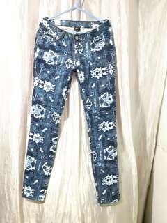 Max Printed Pants