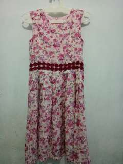 Gaun perempuan