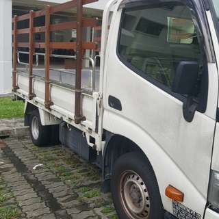 Toyota Dyna 150 10ft lorry