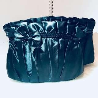 🖤Claire's 黑色蝴蝶結化妝袋