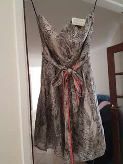 Review Dress BNWT size 10 Rattle Snake
