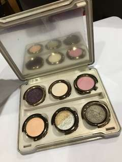 URBAN DECAY OZ THE GREWT AND POWERFUL PALETTE