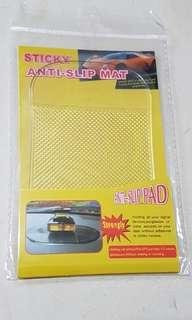 [Reduced] anti slip pad