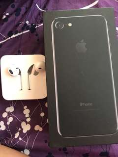 Selling my iphone 7 headset