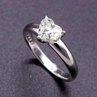 【D-W 香港鑽石世界】全新18K白金 1卡 簡約時尚心型鑽石美戒--000875-388