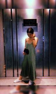 🚚 (實拍)三色質感高光緞面V領洋裝