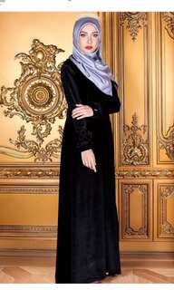 Bella ammara  🌸Royal bella jubah🌸 inclusive of smartpac or +$2.50 for home courier) Material : Velvet with ruffles at both sleeves Wudhuk & Nursing Friendly