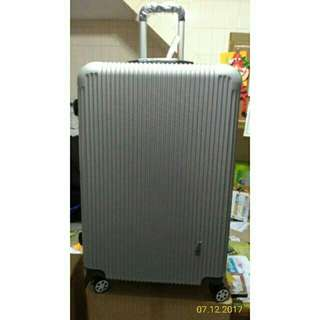 【Aaplus】#大型行李箱(28吋) 材質:PC+ABS  重量:約4.7kg 外箱49x77x29 台北可面交