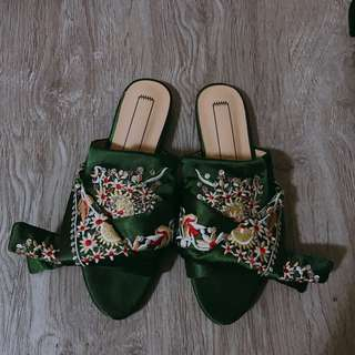 Soeurs co embroidered mule
