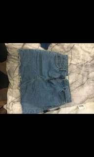 M sized denim skirt