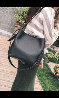 Basic Pu leader Sling Bag
