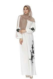 Floral Embroidery Muslimah Dress 098300 FM
