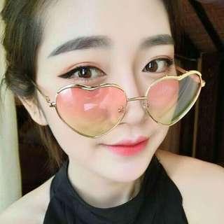 愛心框眼鏡5色(P)$250