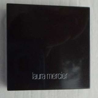 Laura Mercier Matte Radiance Baked Powder Compact Highiight-01 MINI SIZE Brand New & Authentic [No swaps, Price is Firm]