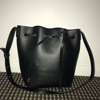 Black bucket side bag drawstring