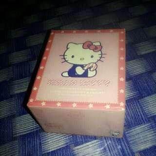 Box jam tangan hello kitty