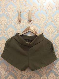 Short with free top