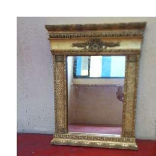 Gold mirror 1103-A13, Size 64 x 81 x 7 cm (LxHxW)
