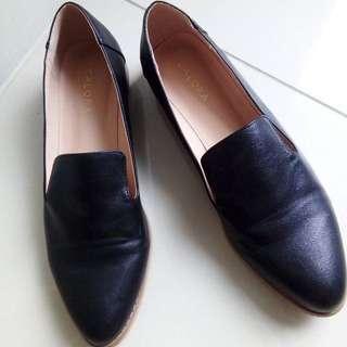 Zalora Black Loafers - Size US 9