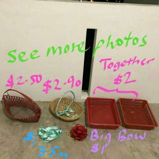 Gift hamper rattan decorative baskets , ribbons, hamper base tray