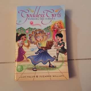 •used• Goddess Girls Book 9