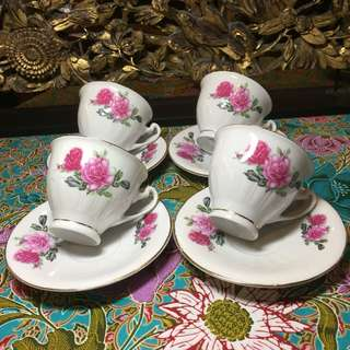 Vintage rose motif tea cups