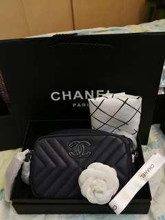 Chanel深藍復古相機包
