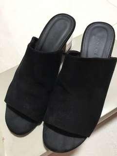 Vincci Low Heel