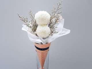 Ice cream cone flowers / flowers in cone