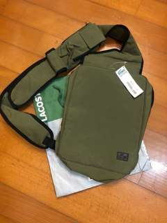 Geniue Lacoste side bag全新斜孭袋。