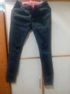 🚚 自然色 排扣刷破黑褲