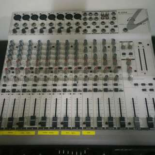 Wharfedale pro 8 line england mixer