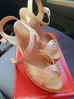 CLN wedge brandnew size 8