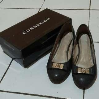 Sepatu Connexcion