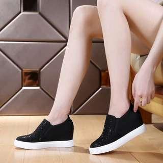 Sepatu Wedges AD44