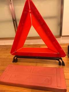 Triangle sign emergency car