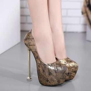 Sexy closed peep-toed stiletto