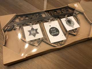 Brand new Wooden photo frame / photo clip