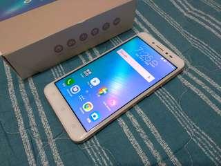 高雄 ASUS ZenFone Live 金色 4G 四核心 直播美顏自拍機 超值機種 功能正常保固中